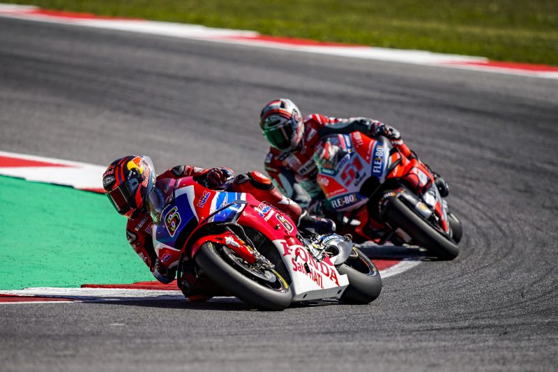 Stefan Bradl crashes out San Marino GP while fighting for a top 15 place