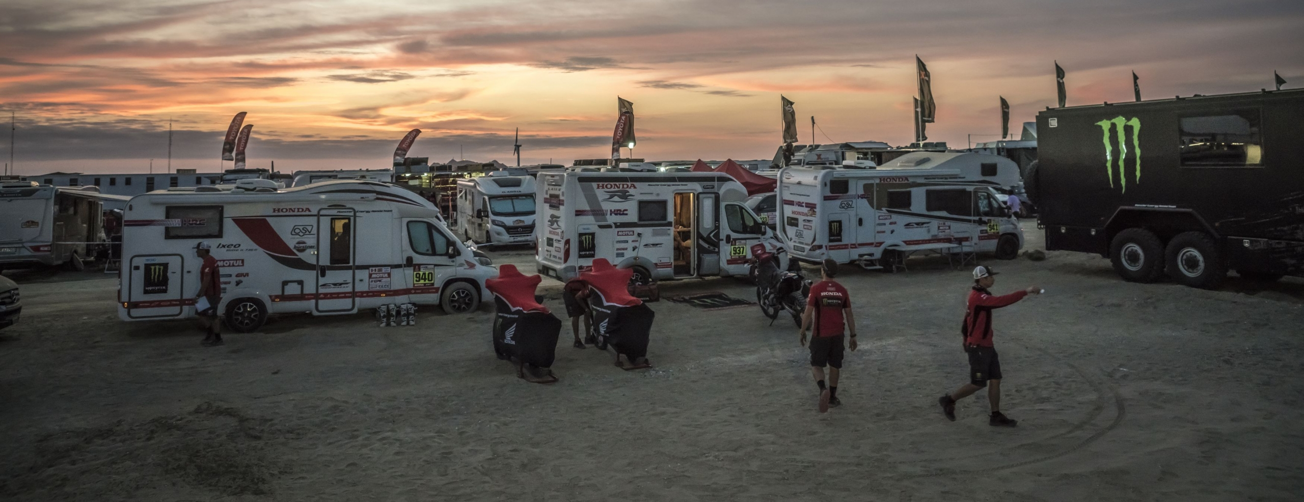 Stage 9 suspended. Monster Energy Honda Team prepares for the decisive phase of the Dakar